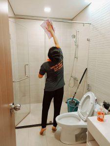 Vệ sinh căn hộ tại Tân Phú